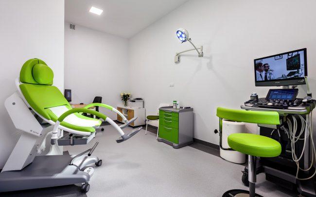 wyposażenie w gabinecie lekarza ginekologa w Smolcu
